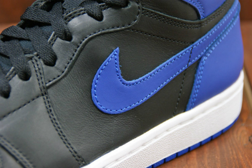 Air-Jordan-1-Black-Blue-2013-Retro