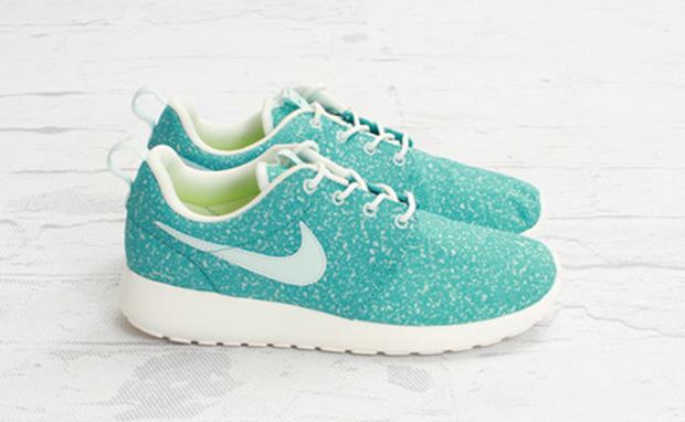 nike wmns roshe run - fiberglass\/sport turquoise