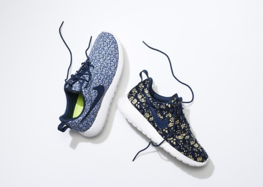 SU13_NSW_NIKEiD_Roshe_liberty_pair_2_large