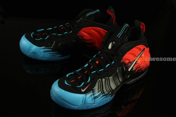 promo code 0d3a4 6663c ... to the Foamposite silhouette. Nike s spider sense must be tingling.  1389627235 spidermanfoams2570x379. 1389627247 spidermanfoams3570x379