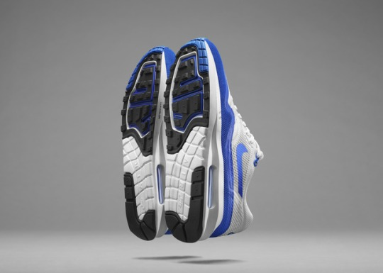 FA14_NSW_AirMax_W_Sole_WhtBlu_V2_large